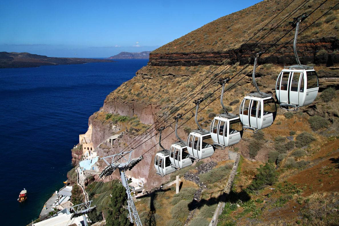 how to get from santorini airport to fira