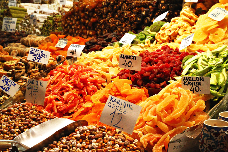 istanbul spice bazaar fruits