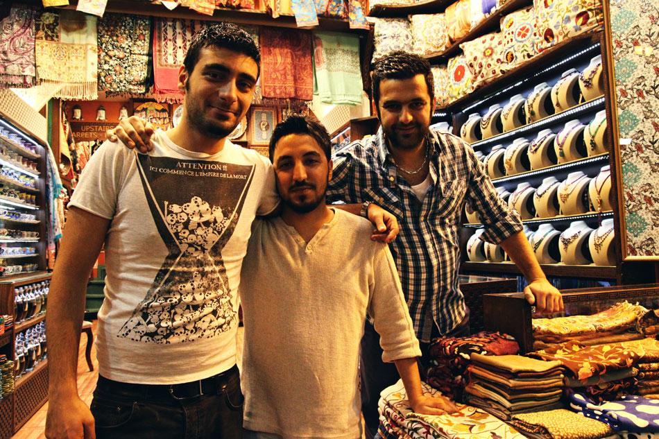 istanbul spice bazaar shopkeepers