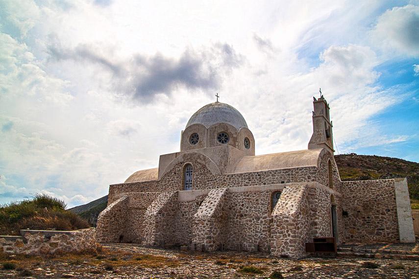 Santorini – Beyond the Caldera  Globetrot Cat
