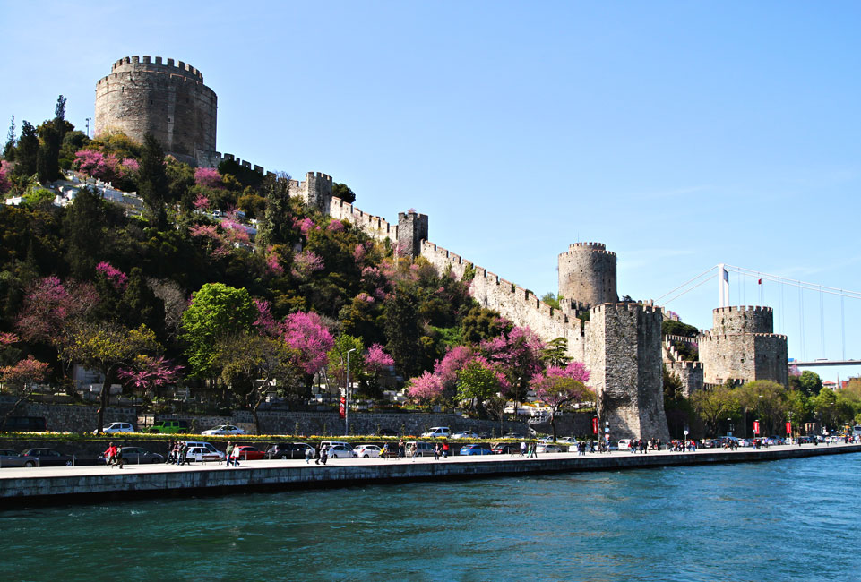 istanbul bosphorus rumeli hisari