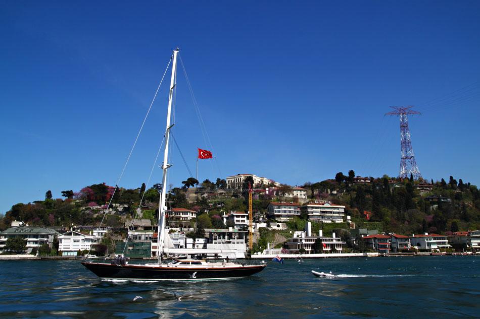 istanbul bosphorus yacht
